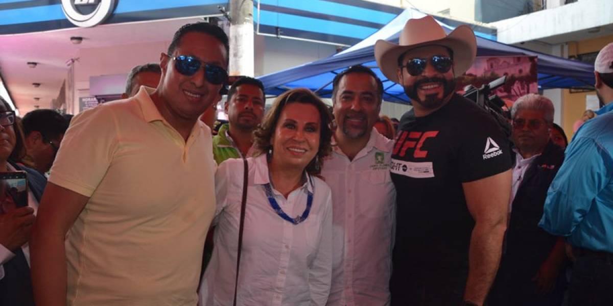 VIDEO. Sandra Torres acude a la Feria del Chicharrón en Mixco