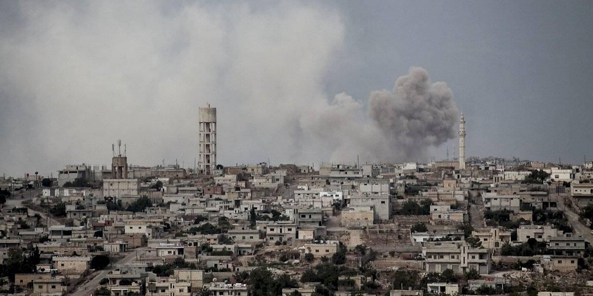 Estados Unidos bombardea instalaciones en Siria usadas por milicia
