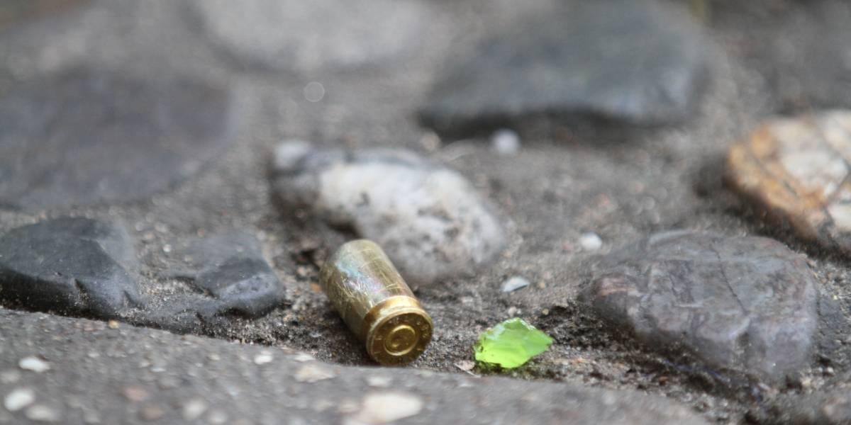 Comando mata a cuatro hombres en bar de Acapulco