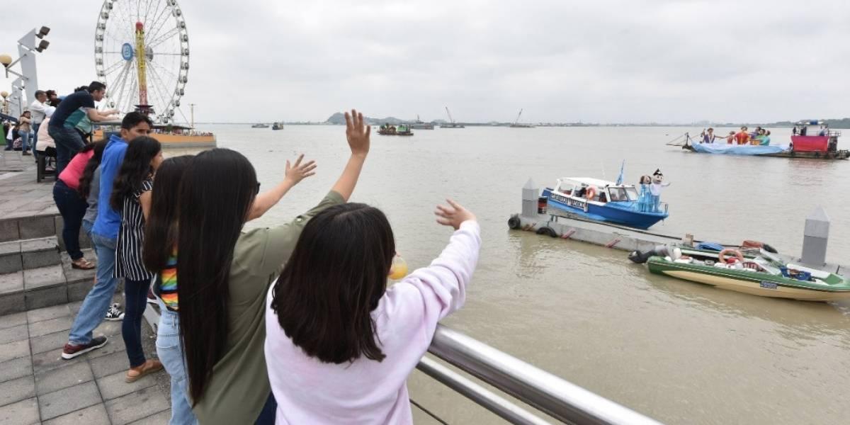 El río Guayas se llenó de música y color con el desfile náutico en honor a Guayaquil