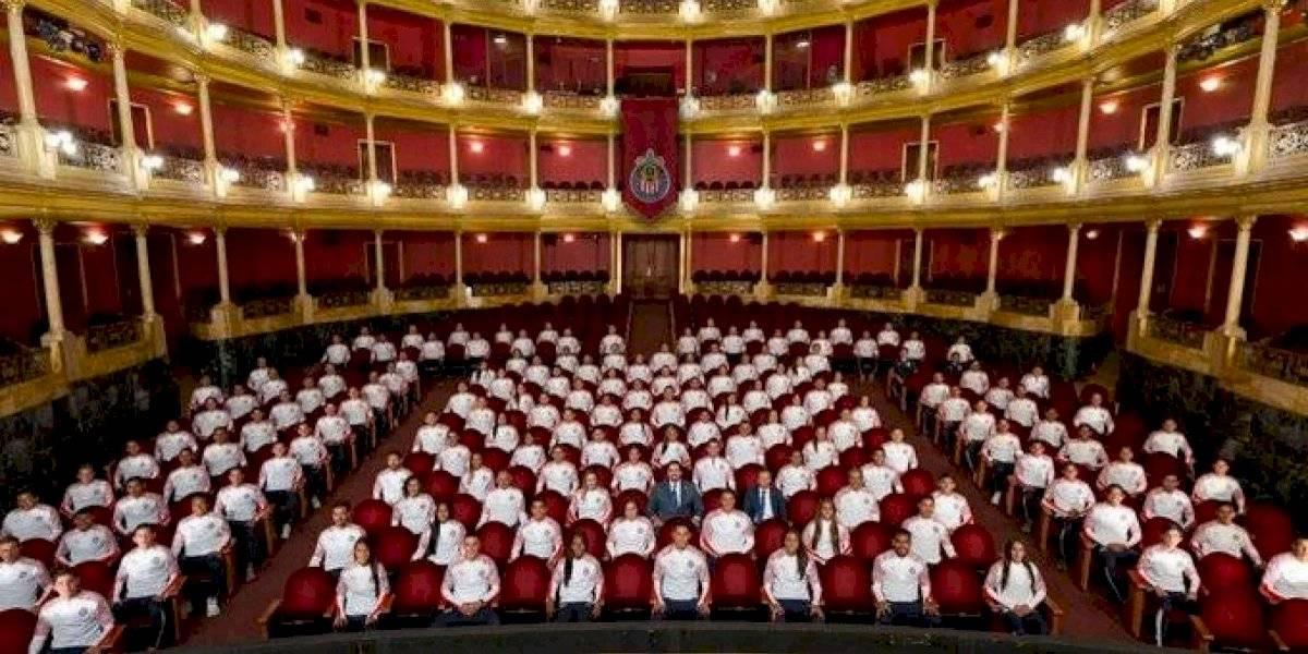 Chivas presume foto oficial en 360 grados