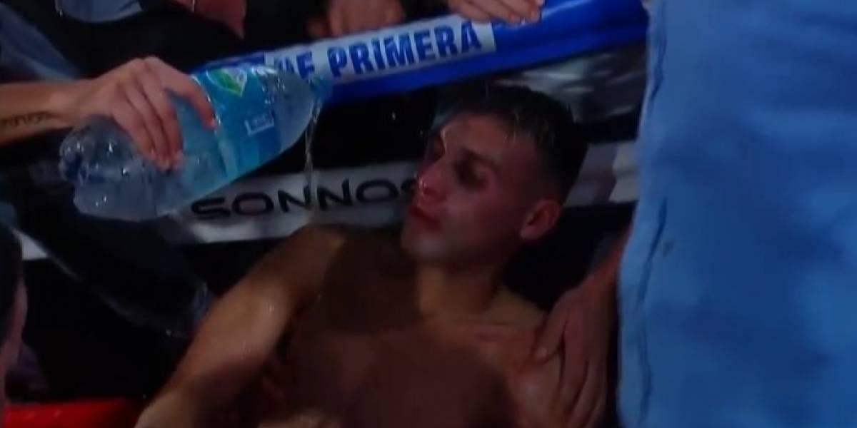 Boxeador Hugo 'Dinamita' Santillán se desmaya tras finalizar pelea