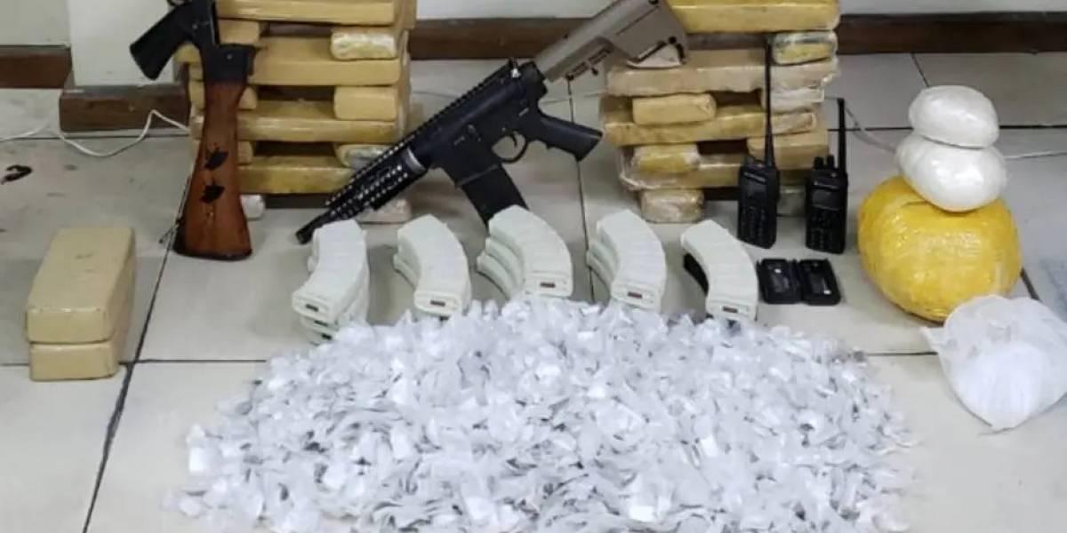 Polícia apreende quatro fuzis e mais de duas toneladas de drogas no Rio