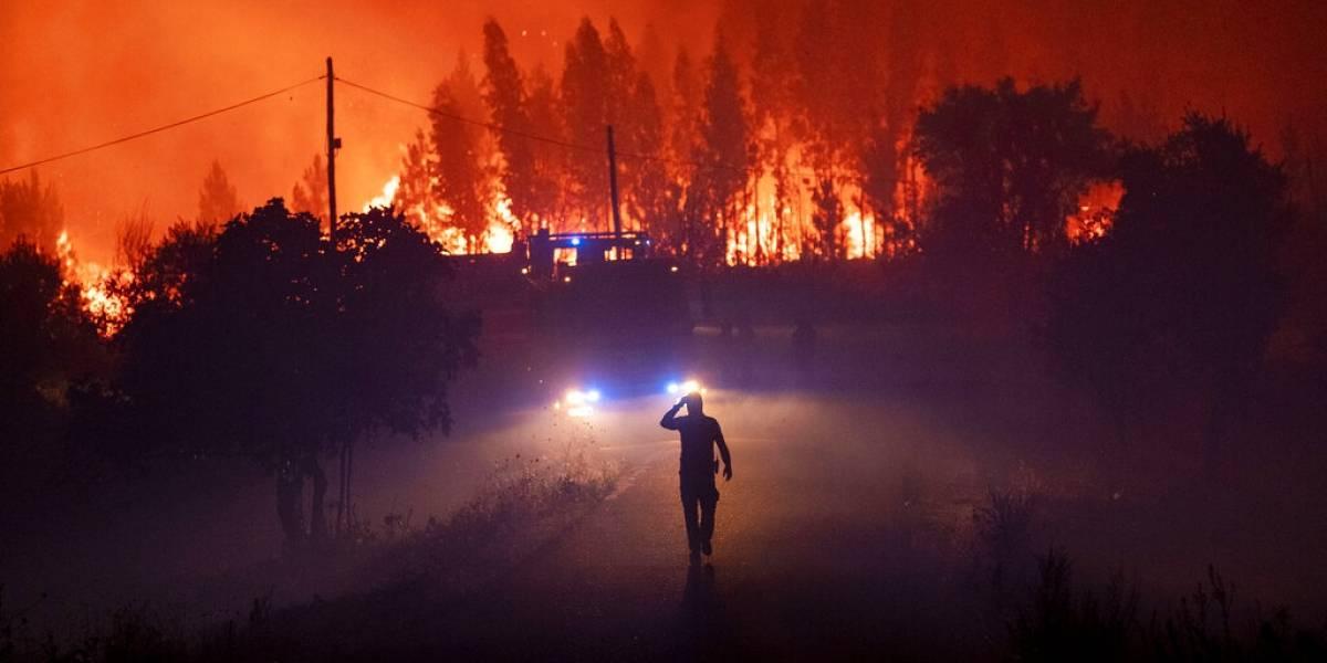 Más de mil bomberos combaten las llamas en Portugal