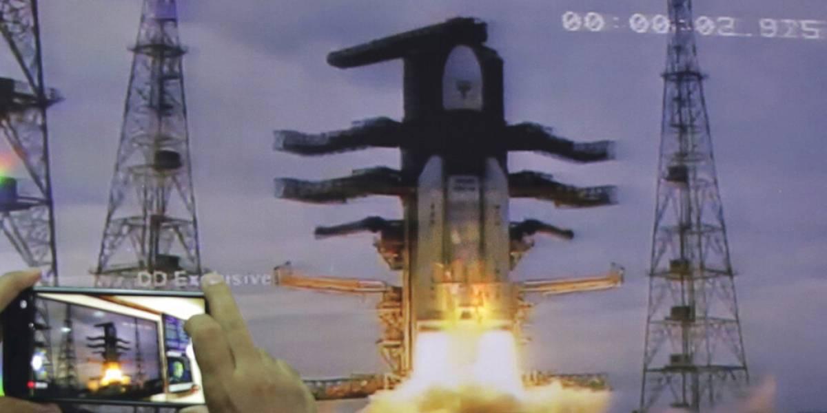 India envía su misión no tripulada a la Luna