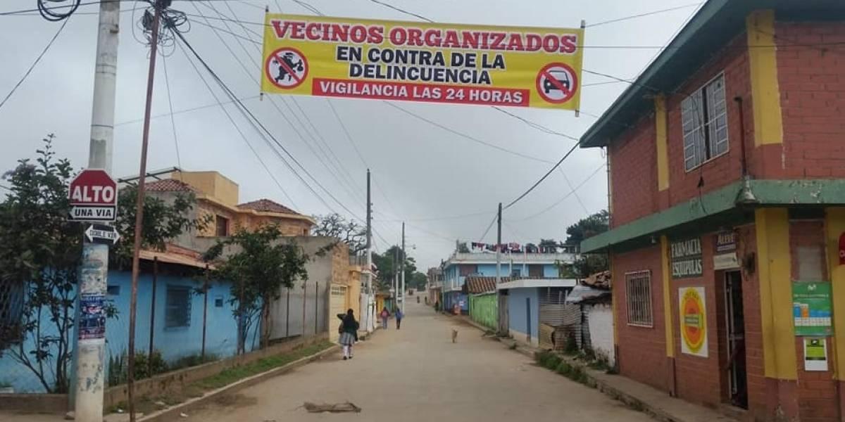 En Jutiapa y Quiché colocan mantas contra mareros y la delincuencia