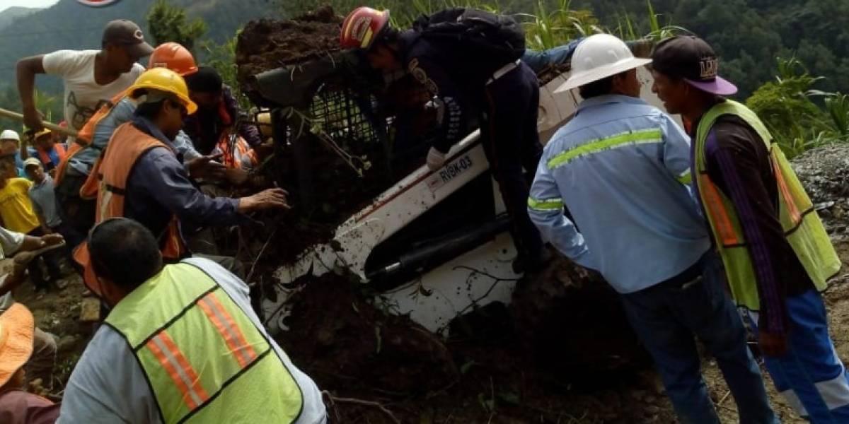 Rescatan a hombre que quedó soterrado en Tucurú, Alta Verapaz