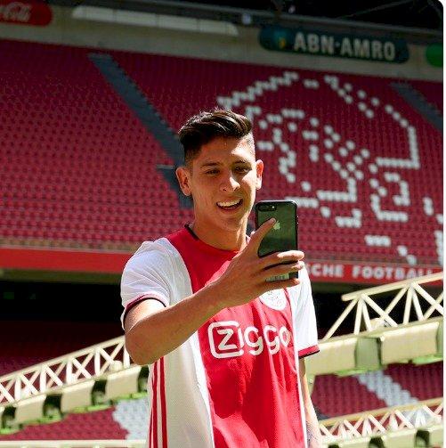 Álvarez se mostró feliz por su fichaje. / Twitter: @AFCAjax