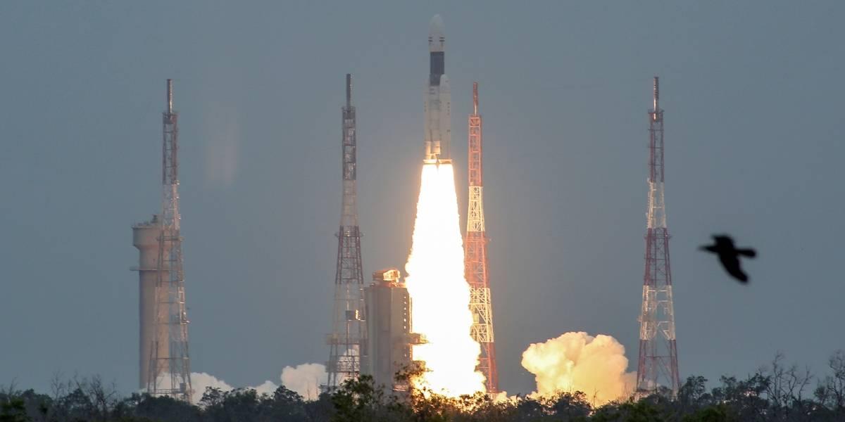 Índia lança com sucesso missão espacial à Lua