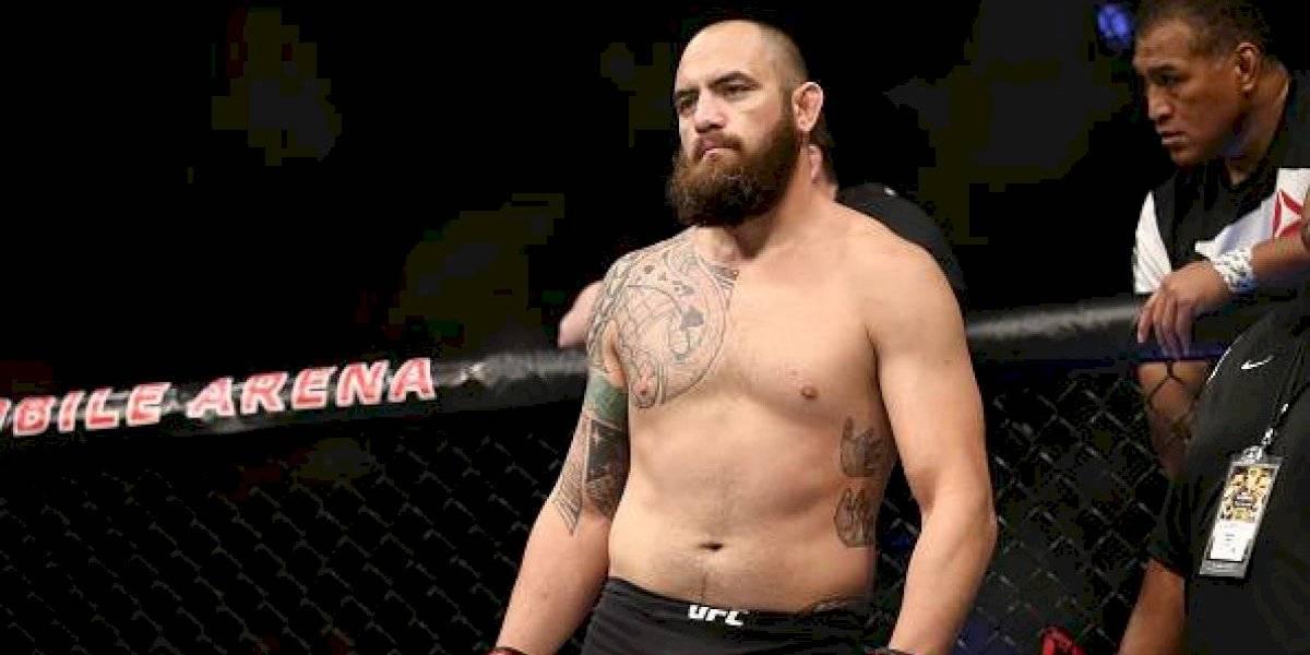 Peleador de UFC, cerca de firmar con WWE