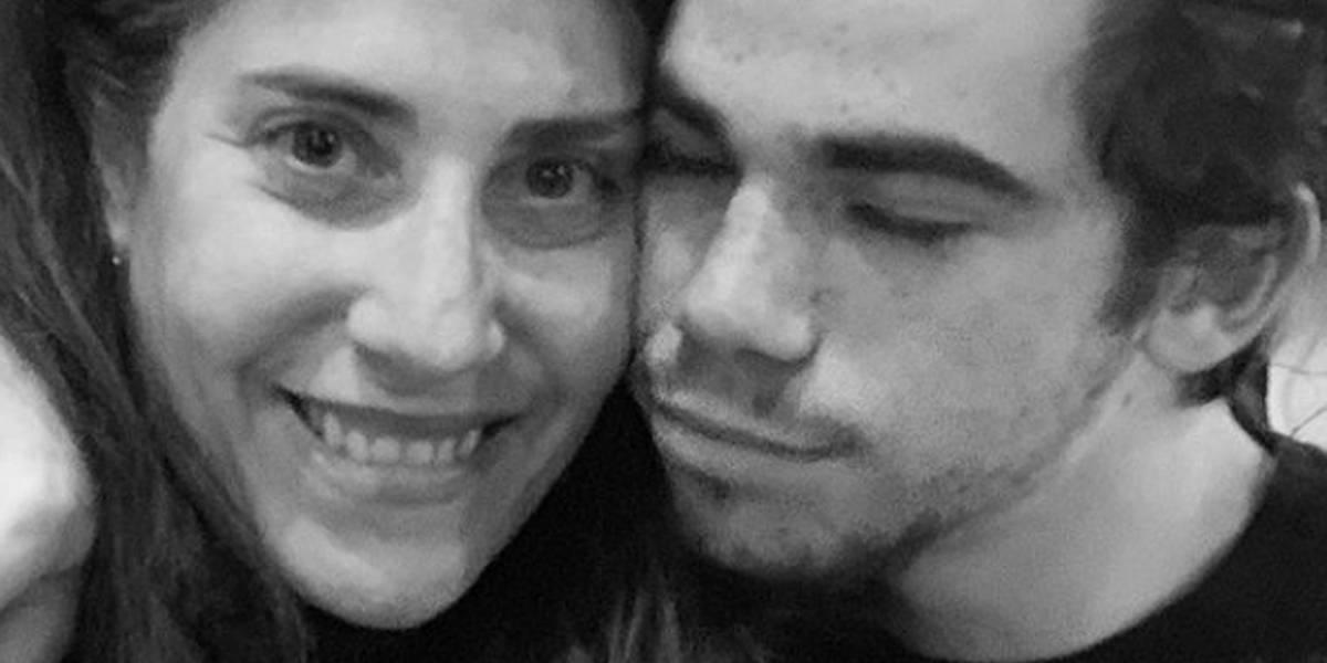 Mãe de Cameron Boyce posta foto com o filho no Instagram: 'Minha bússola'
