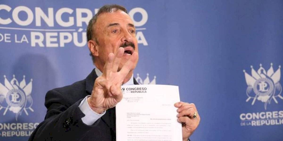 Linares-Beltranena pide a director de PNC capture a tres magistrados de la CC