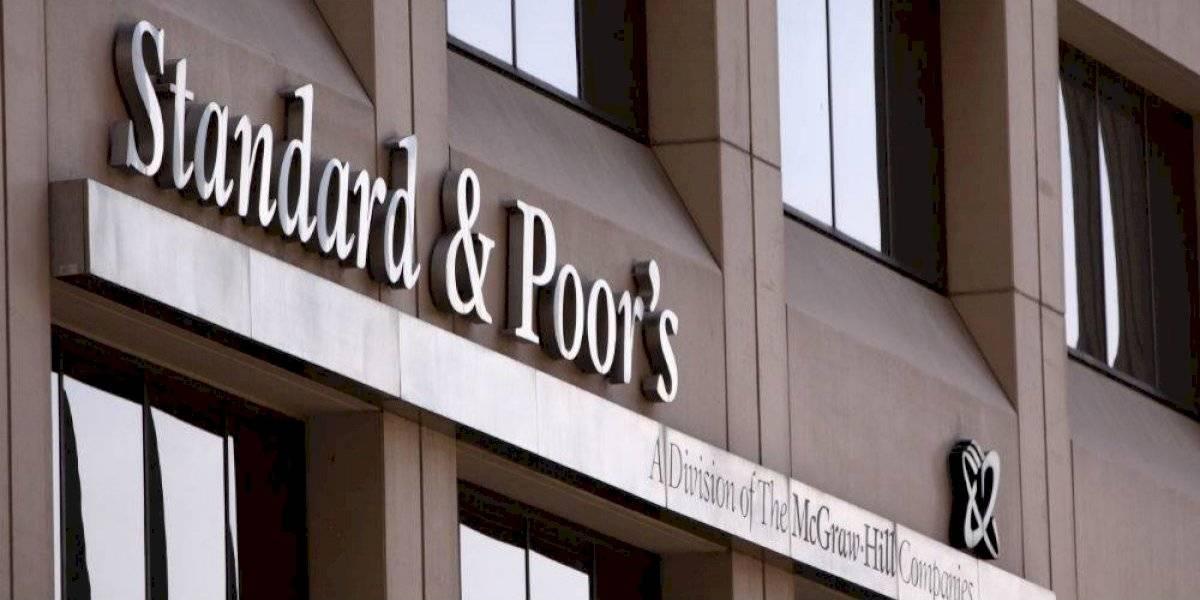 "Pemex retomó un papel ""casi monopólico"", advierte Standard & Poor's"