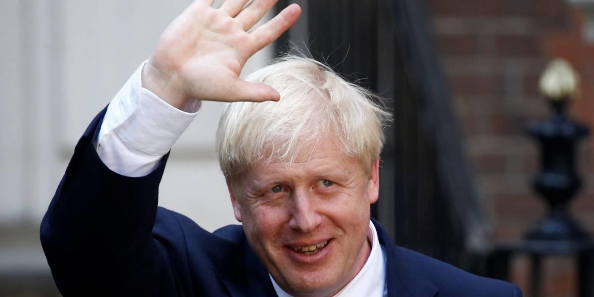 A contragosto, Boris Johnson pede novo adiamento do Brexit
