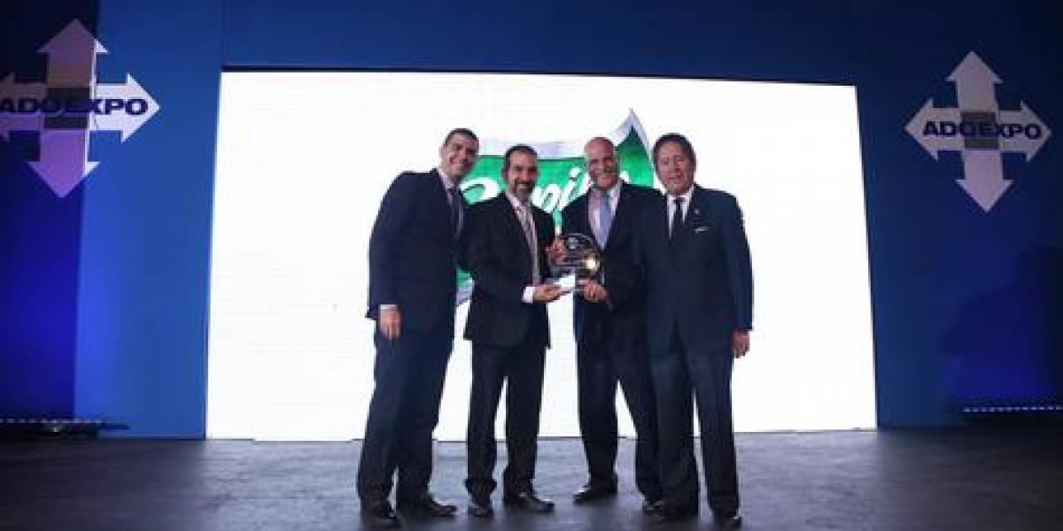 #TeVimosEn: Laboratorio Capilo recibe premio a la excelencia de Adoexpo