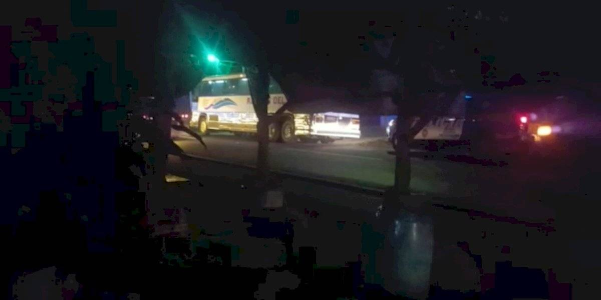 Pasajero muere en asalto a bus en ruta al Pacífico