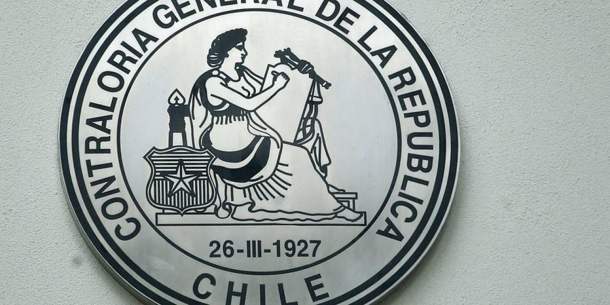 """36 instituciones públicas recibieron oficio de Contraloría: Están obligadas a desbloquear a usuarios """"castigados"""" en redes sociales"""