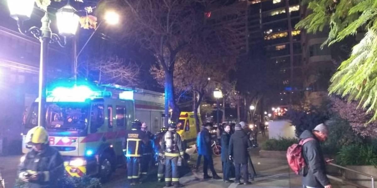 Bomberos confirmó que no hubo lesionados: Ascensor se desplomó 22 pisos en Las Condes
