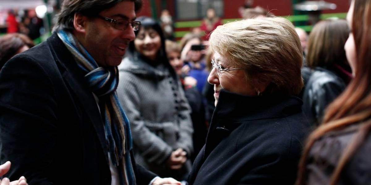"""Jadue """"pide disculpas"""" a la ex presidenta Bachelet: """"Nunca fue mi intención atacarla a ella"""""""