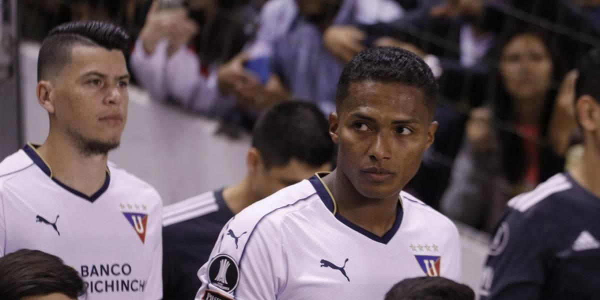 Liga de Quito vs Olimpia por Copa Libertadores: Niño saltó a la cancha para abrazar a Antonio Valencia