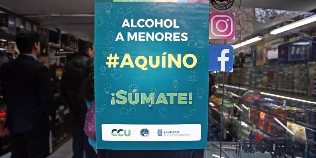 Municipalidad De Santiago y botillerías lanzan campaña para desincentivar consumo en menores de edad