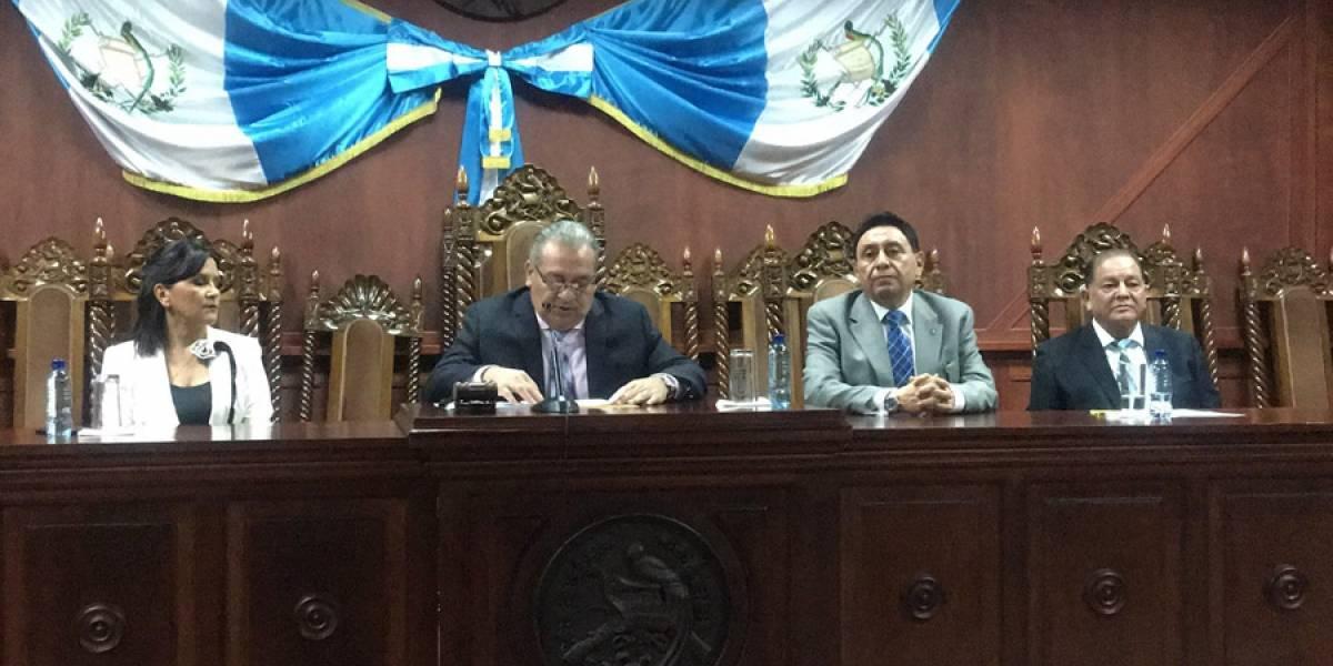 """La Corte de Constitucionalidad indica que """"no le prohibió ninguna acción al presidente de la República"""""""