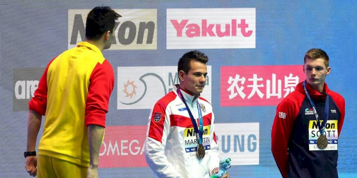 El nadador chino Sung Yang causa polémica al burlarse de sus rivales en la premiación