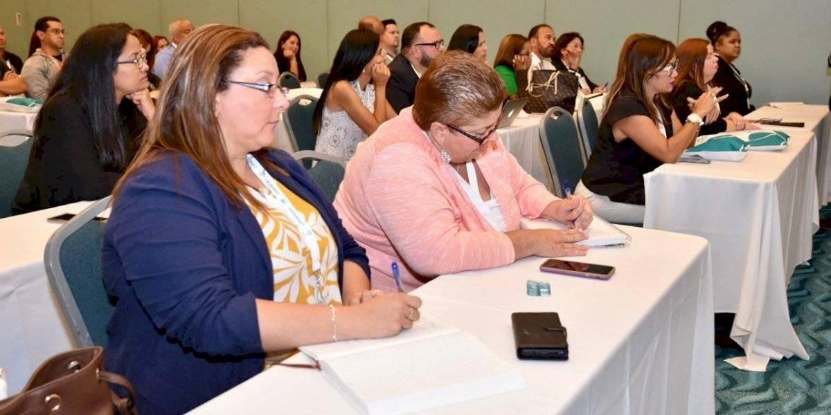 Educación capacita a directores y gerentes escolares para el próximo año escolar