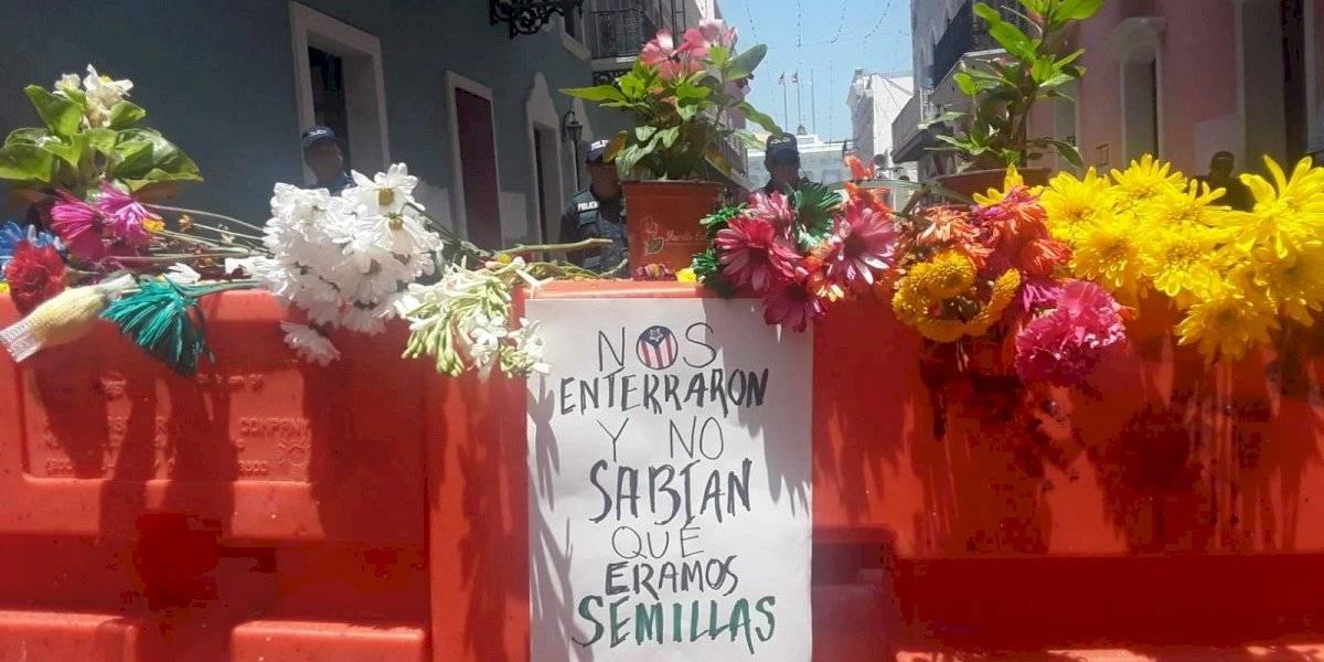 Flores para el muerto frente a Fortaleza