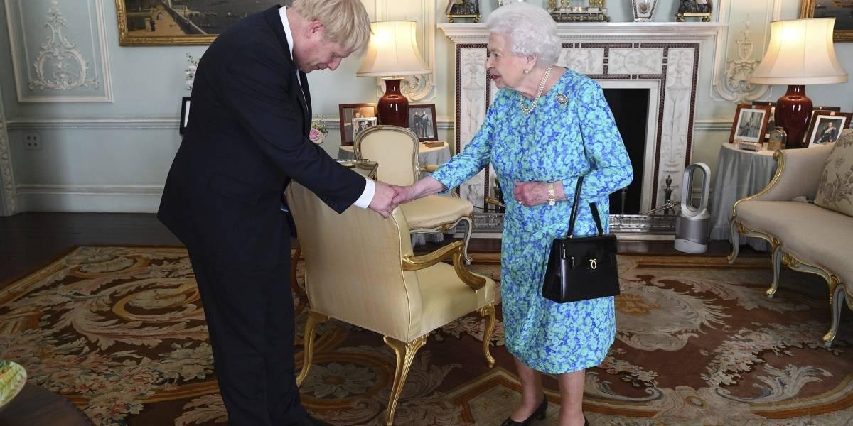 """Johnson promete negociar """"un nuevo y mejor"""" acuerdo con la Unión Europea"""