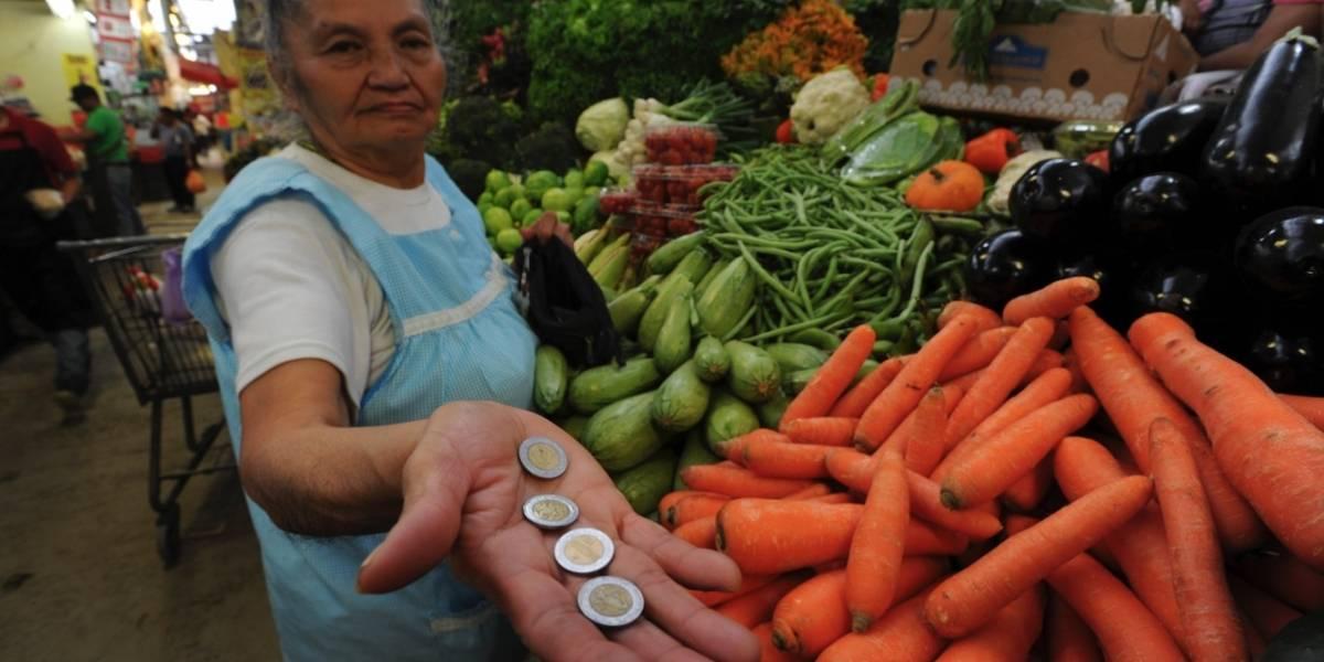 Inflación general baja; cebolla, pollo naranja y gasolina suben hasta 13%