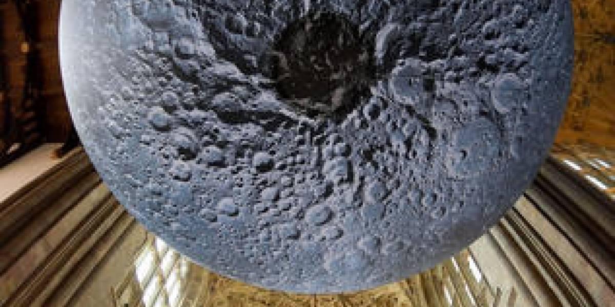 Luna aparece en una abadía del Reino Unido