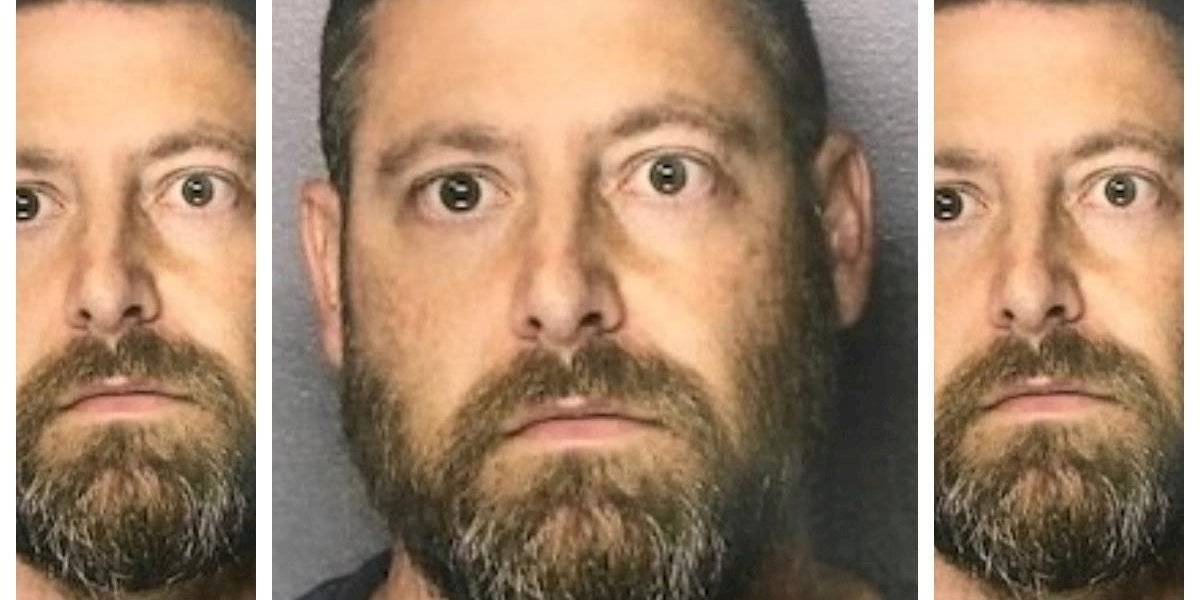 """Mató al novio de su hija porque supuestamente la """"metió en las drogas"""", pero la policía dijo que no había evidencia y que sólo habían fumado marihuana en una fiesta"""