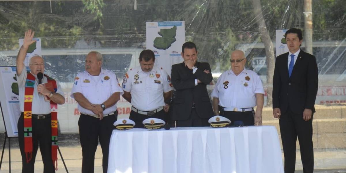"""VIDEO. """"Yo quiero ser bombero"""": Así le cantó el presidente Morales a los Bomberos Voluntarios"""