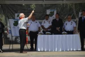 presidente Jimmy Morales participa en entrega de ambulancias a Bomberos Voluntarios