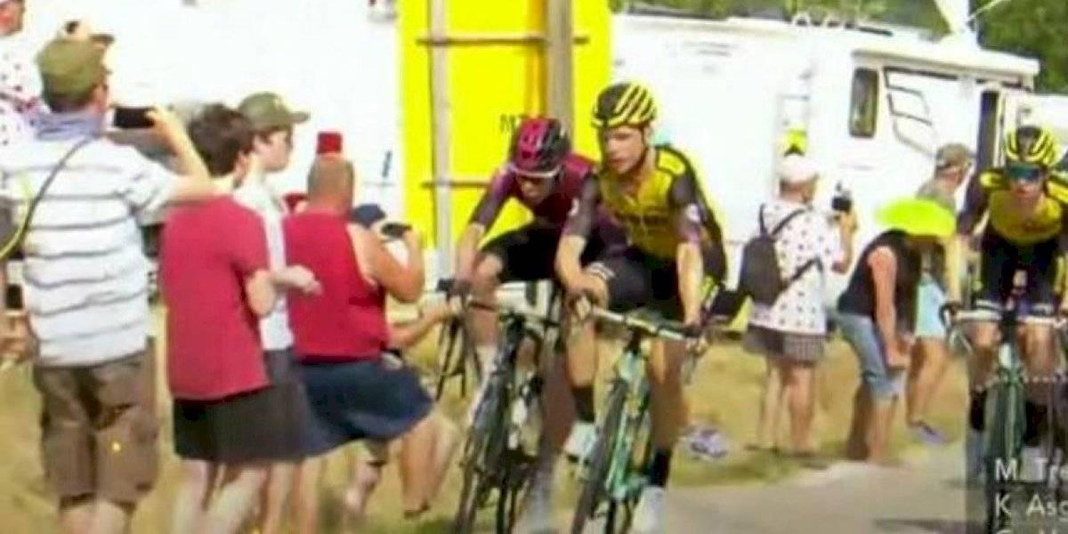 VIDEO. Expulsan a dos ciclistas en el Tour de Francia por altercado