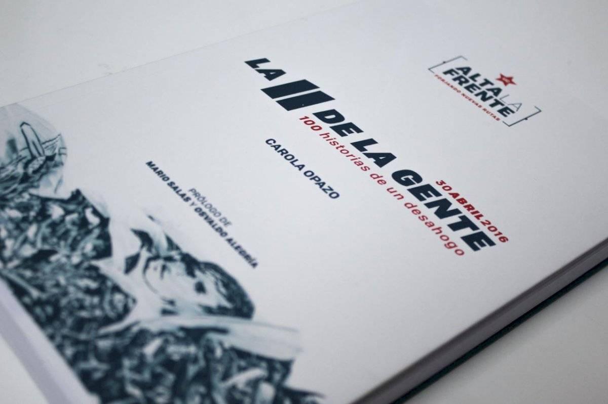 La portada de La 11 de la Gente, libro en el que Mario Salas y el PF Osvaldo Alegría se matricularon con sendos prólogos / Foto: Cedida