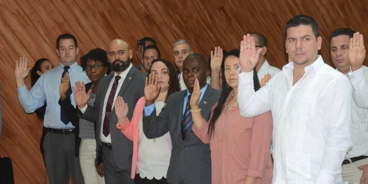 MIP juramenta a 30 extranjeros como ciudadanos dominicanos