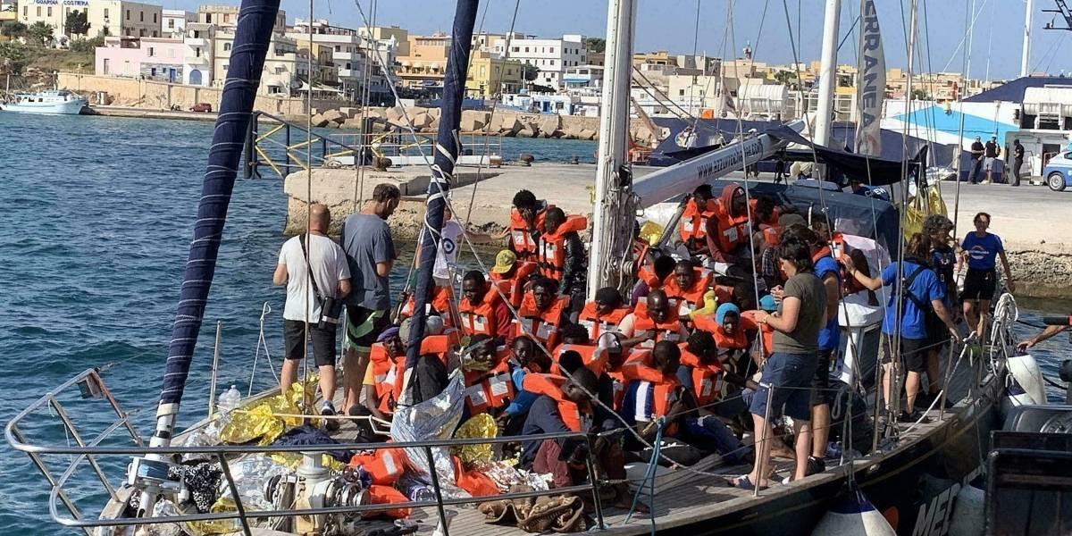 """""""La peor tragedia mediterránea"""": más de 100 migrantes desaparecen en la costa de Libia tras naufragio"""