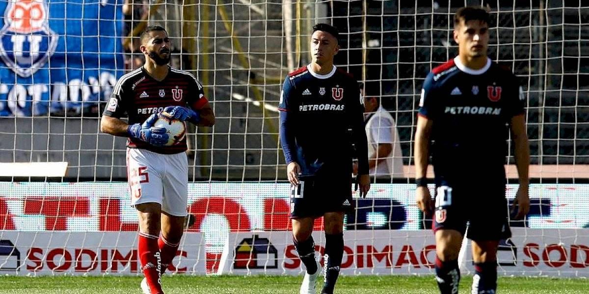 """""""Todos queremos jugar en la U y Johnny Herrera lo hace saber, pero ahora el titular es De Paul"""""""