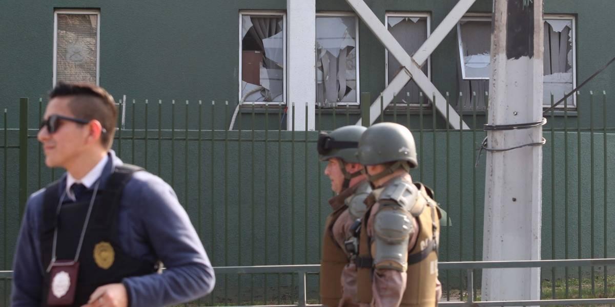 """Piñera califica como """"acto terrorista"""" explosión en comisaría y asegura que """"presunto remitente está identificado"""""""