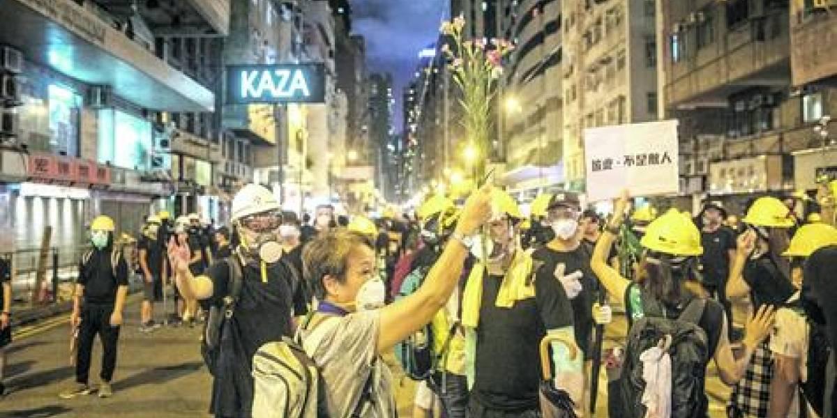 China insinúa la posibilidad de intervención militar en Hong Kong