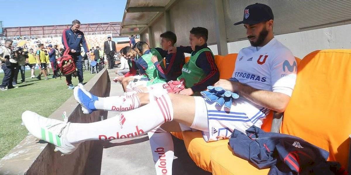Johnny Herrera exigió irse de la U pero Azul Azul lo mantiene en el plantel
