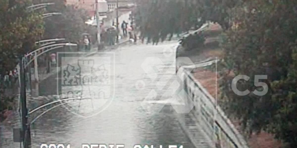 Se desborda Río de los Remedios; hay varias viviendas afectadas
