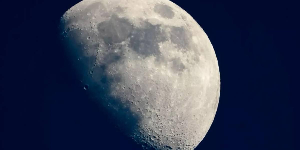 Estudios podrían demostrar que hay más agua en la Luna de lo que se creía
