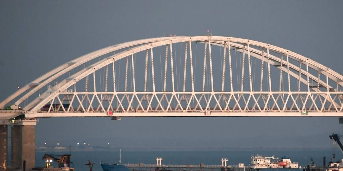 Ucrania detiene buque petrolero ruso anclado en el mar Negro