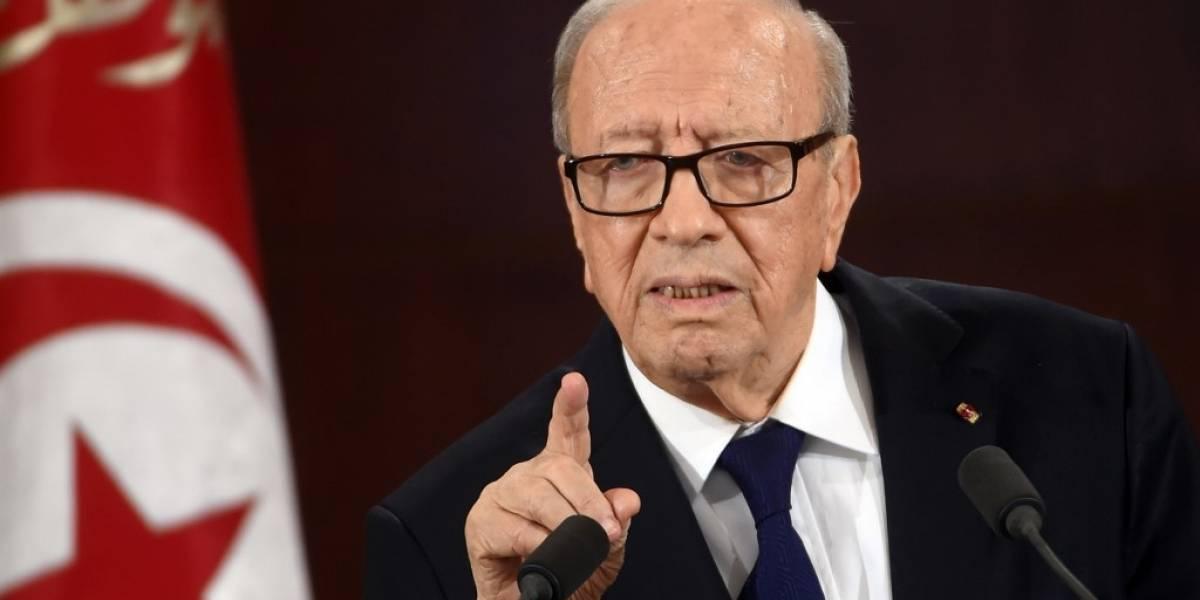Túnez adelanta elecciones tras muerte de presidente Beji Caid Essebsi