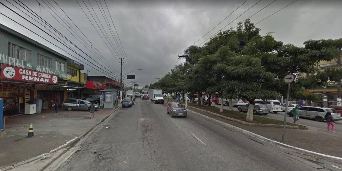 Colisão entre carros deixa cinco feridos na avenida Ragueb Chohfi