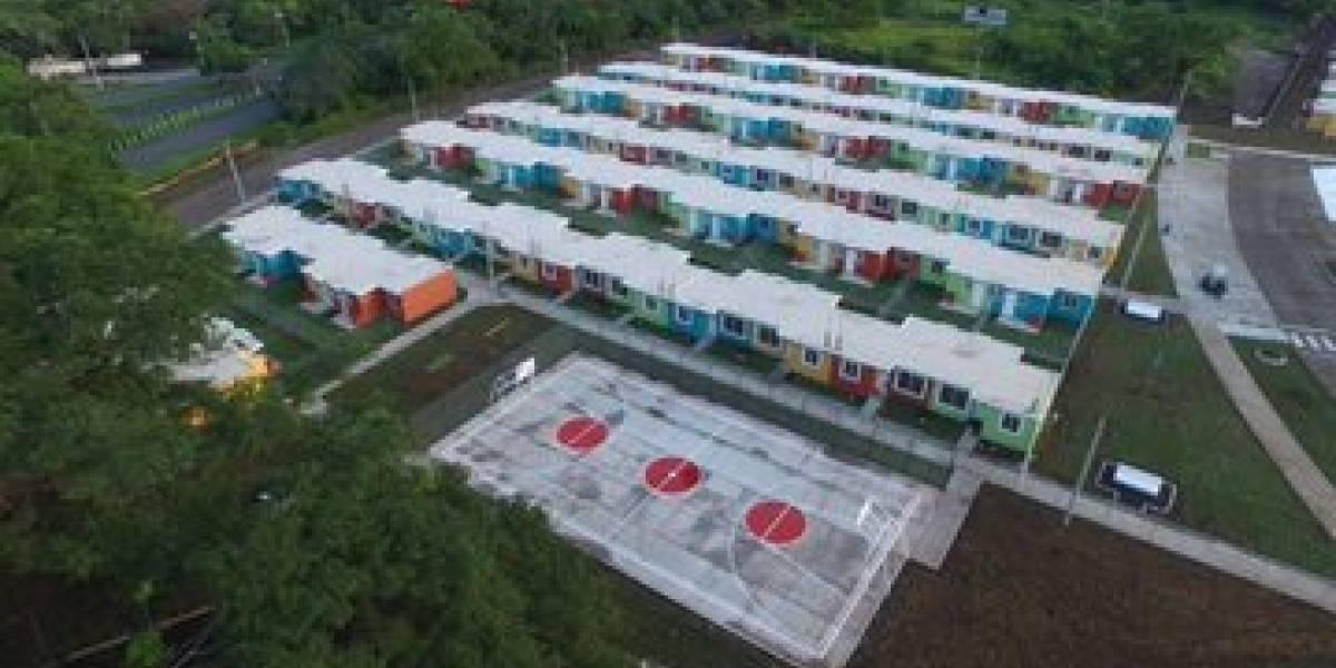 Gobierno entrega segunda fase de proyecto habitacional para afectados por erupción