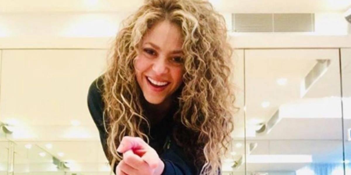 FARÁNDULA: Shakira dejó ver sus infartantes nalgas en pleno